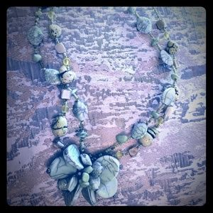 Green beaded flower necklace